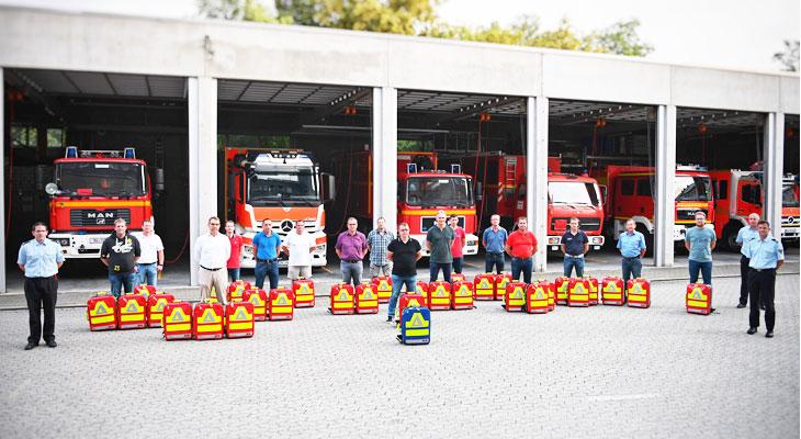 Ingolstadt: Freiwillige Feuerwehren mit einheitlicher Notfallausrüstung ausgestattet